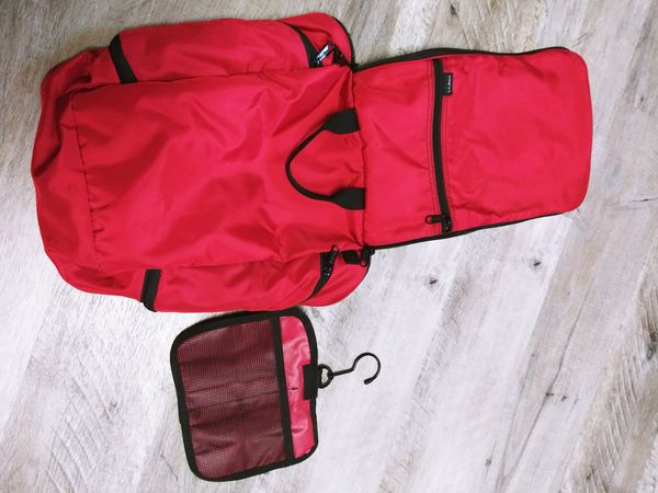L.L. Bean Travel Toiletry Bag, Red, Lots of pockets!