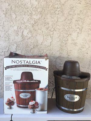 Nostalgia 4 quart ice cream maker for Sale in Los Angeles, CA