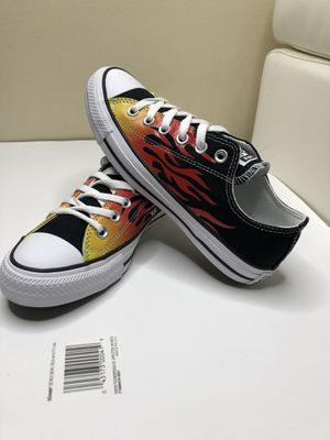 Shoes converse size us 6M & 8w unisex shoes for Sale in Tampa, FL