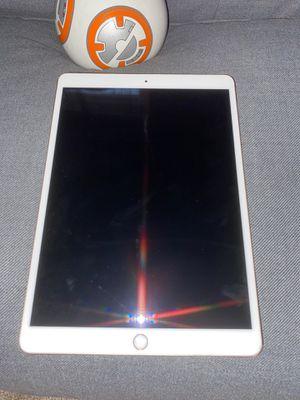 icloud locked ipad pro !!!!! for Sale in Hyattsville, MD