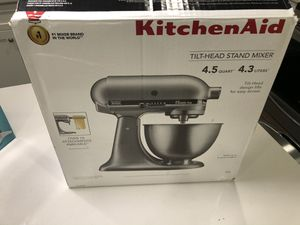 Brand New KitchenAid 4.5 Quart Mixer for Sale in Fresno, CA
