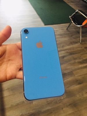 iPhone XR 128GB AT&T and Cricket Only for Sale in Raleigh, NC