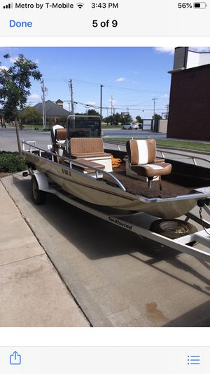 1985. 17 foot long center consul fishing boat Excellent condition for Sale in Newcastle, OK