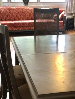 Fine Dining Table & 6 Chairs for Sale in Miami,  FL