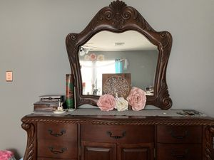 Room dresser with mirror for Sale in Cypress, TX