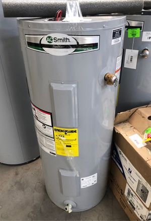 Electric water heater 40 gallon for Sale in El Paso, TX