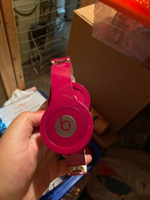 PINK BEATS HEADPHONES SOLO HD for Sale in Cinnaminson, NJ