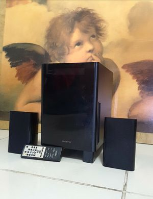 Onkyo HTX-22HDX, 2.1 Channel Ultra-Compact HD Home Theater System. Good Condition (Pre owner ) for Sale in Davie, FL
