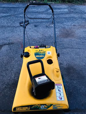 Yard machines snowblower very good condition 4 cycle starts at first pull or electric start for Sale in Westmont, IL