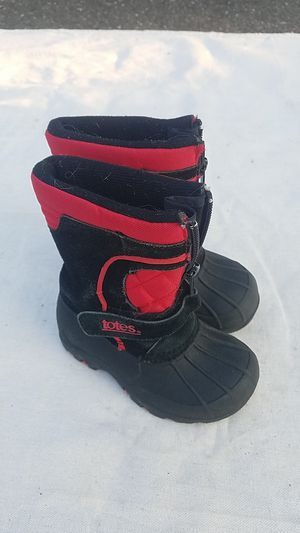 kids size 7 Totes snow boots for Sale in Blackwood, NJ
