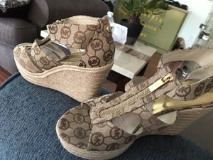 Michael kors shoes for Sale in Clermont, FL