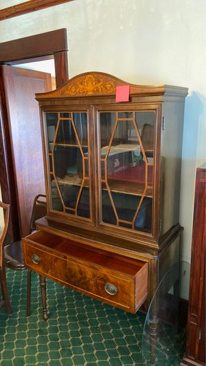 Antique Berkey & Gay China cabinet with inlay for Sale in Pasadena, CA
