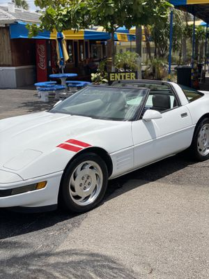93 Chevy corvette 40 Anniversary Package 80k miles 6spd for Sale in Hollywood, FL
