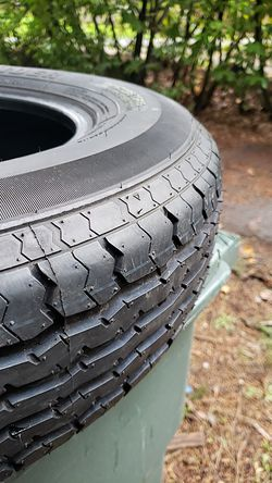 St205/75/15 trailer tire for Sale in Bellevue,  WA