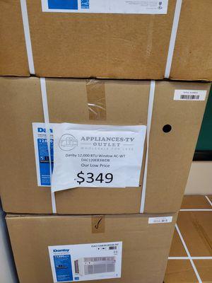 Danby 12k btu window ac unit for Sale in City of Industry, CA