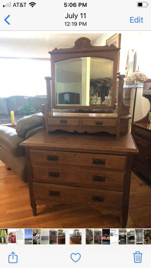 Antique dresser with mirror for Sale in Long Beach, CA