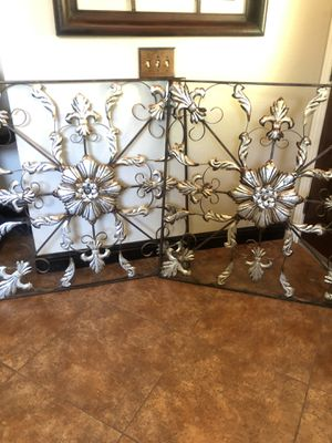 "Metal wall decoration like new 40"" x 40"" , I paid 49.99 each ( for inside or outside) for Sale in Moreno Valley, CA"