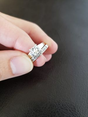 Tiffany's engagement/wedding ring set!! for Sale in Puyallup, WA