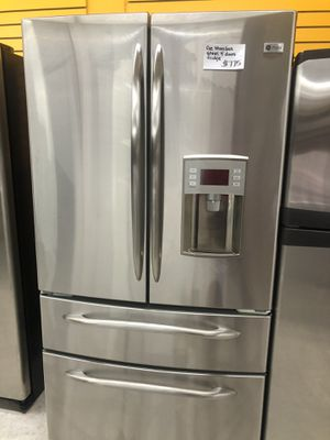 GE STAINLESS STEEL 4 DOORS FRIDGE IN EXCELLENT CONDITION for Sale in Laurel, MD
