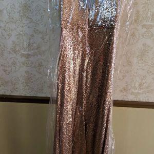 Bijou Bridesmaid Sequin Rose gold Revelry Dress for Sale in Tijuana, MX