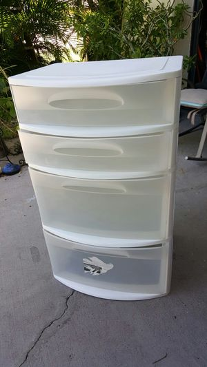 Sterilite storage container. for Sale in Fort Myers, FL