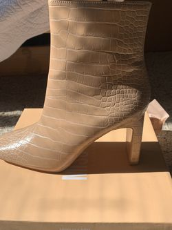 Nude Faux Croc Boots for Sale in Caldwell,  ID