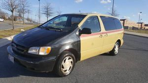 Toyota Sienna 2000 minivan van cargo for Sale in Silver Spring, MD