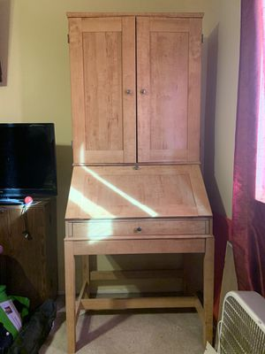 Light Brown Wooden Desk with Hutch for Sale in El Cajon, CA
