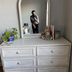 Vintage Dresser And Night Table for Sale in Queens, NY