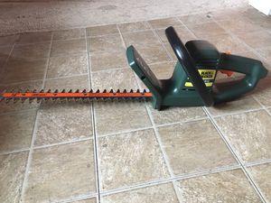 "16""inch Electric Black & Decker Hedge Trimmer (Read Description) for Sale in Phoenix, AZ"