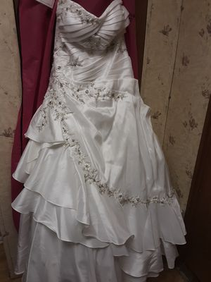 Size 16 white strapless beaded corset wedding gown/dress for Sale in Moss Point, MS