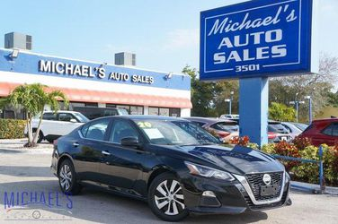 2020 Nissan Altima for Sale in West Park,  FL