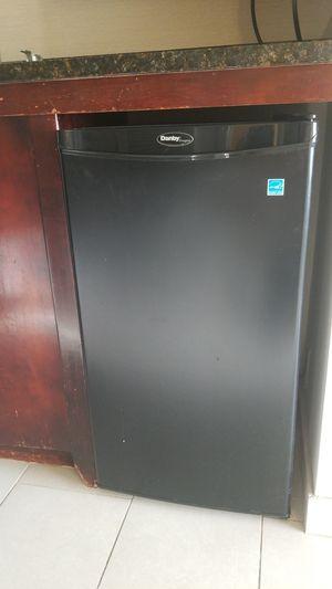 Danby refrigerador for Sale in Hanover, MD