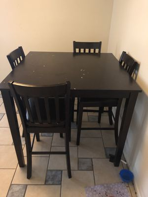 Dining Table with chairs for Sale in Hacienda Heights, CA