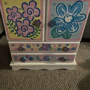 Free..Girls Jewelry box for Sale in Clovis, CA
