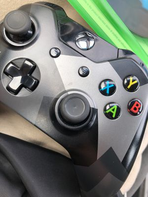 XBOX ONE CONTROLLER with DELIVERY for Sale in Anaheim, CA
