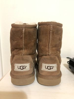 Girl UGG boots size 11c for Sale in Weslaco, TX