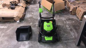 Greenworks 20-Inch 40V Push Mower 4Ah BROKEN for Sale in Houston, TX