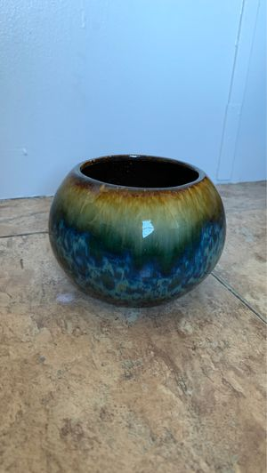 Multicolored Vase for Sale in Smithville, MS