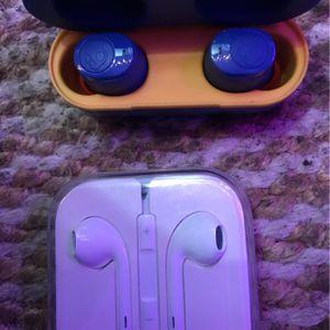 Ear Phones Wireless Skull Candys / Apple Audio Corded for Sale in Seattle, WA
