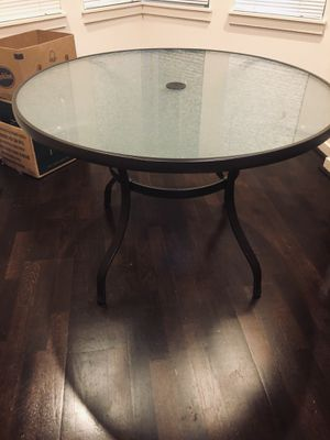 """42""""Round tempered glass, dark brown metal frame table. for Sale in Lynnwood, WA"""