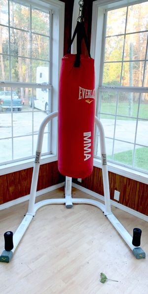 Free standing Everlast MMA punching bag for Sale in Clyo, GA