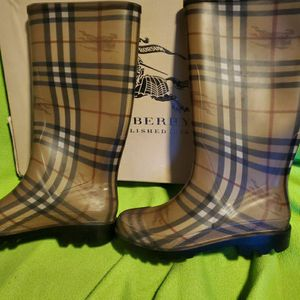 Burberry Rain Boots for Sale in Henderson, NV