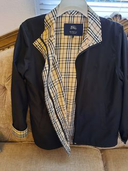 BURBERRY XL. WOMEN for Sale in Huntington Park,  CA