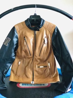 Brand new Harley Davidson woman Leather jacket for Sale in Waukesha, WI