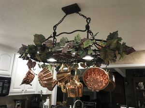 "36"" x 30"" oval shape pot rack for Sale in Bedford, TX"