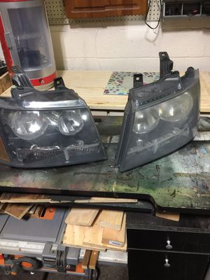 Chevy suburban/Tahoe/ headlights for Sale in Plumsted Township, NJ
