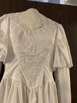 Vintage Wedding Dress 1980s size 8 for Sale in Littleton, CO