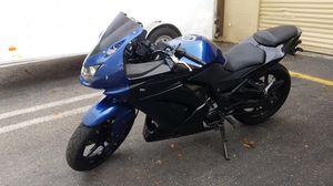 2013 Kawasaki Ninja 250 for Sale in VLG WELLINGTN, FL
