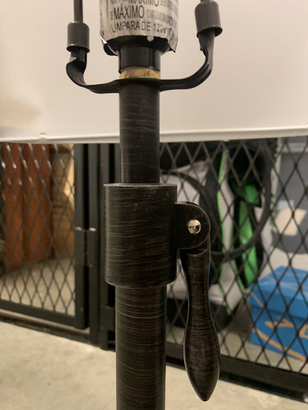 Adjustable Height Table Lamp